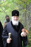 Патриарх в Соловецком монастыре. Прогулка по окрестностям в короткую минуту досуга.