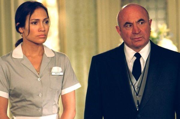 Затем Хоскинс вернулся в крупнобюджетные голливудские проекты и сыграл в «Госпоже горничной» с Дженнифер Лопес в главной роли.