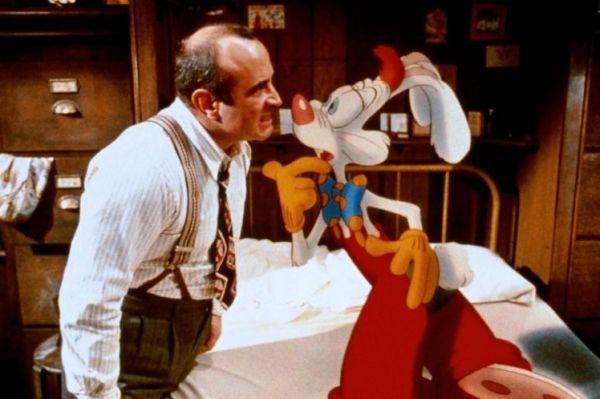 Самым громким проектом Боба Хоскинса стал полуанимационный фильм Стивена Спилберга и Роберта Земекиса «Кто подставил кролика Роджера» - смесь нуар-детектива и мультфильма про неунывающего кролика.