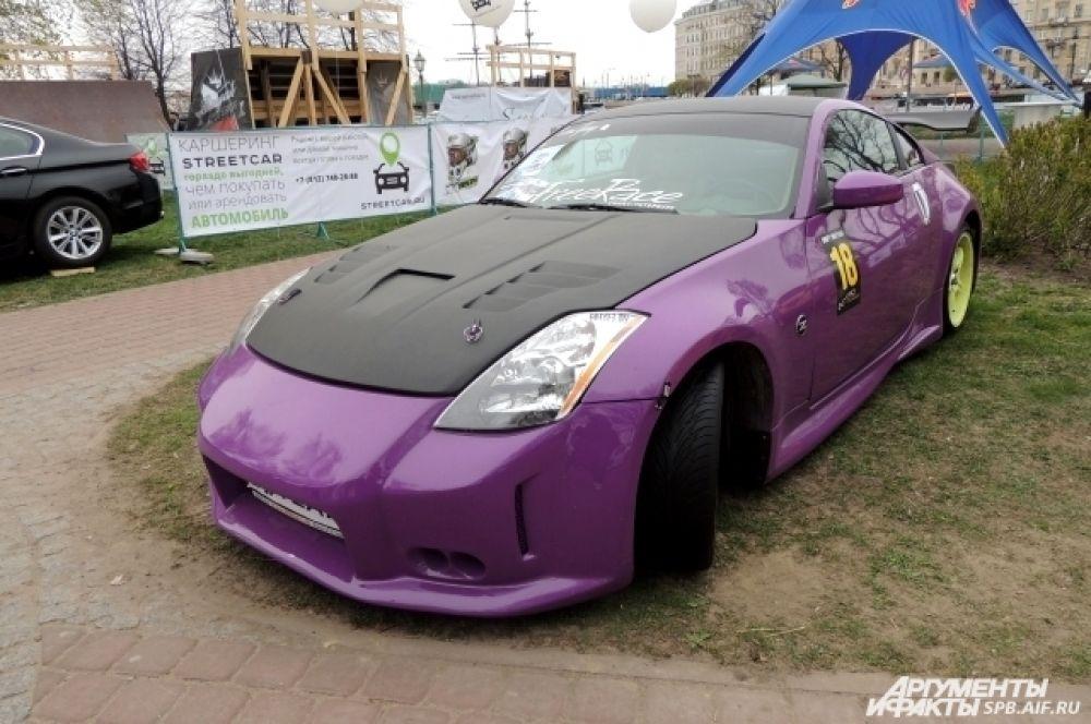 Nissan 350Z видоизменялся несколько раз