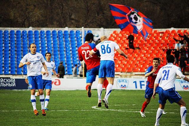 Момент матча команд «СКА-Энергия» и «Балтика»