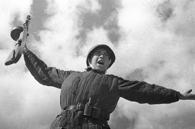 Фильмы о войне сможет посмотреть любой желающий в музее.
