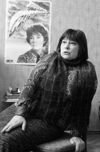 Затем у Татьяны Самойловой родился сын Митя от третьего мужа, который вскоре также ушёл. Ради сына актриса почти на десять лет пропала с экранов. На фото: Татьяна Самойлова в 1988 году.