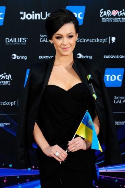 По мнению букмекеров, очень высоки шансу на победу у украинской певицы Марии Яремчук. В 2012 году она вышла в финал национального телепроекта «Голос страны» и выступила на конкурсе «Новая волна». Одно время ходили слухи, что Яремчук войдёт в состав группы «ВИА Гра», однако позже Константин Меладзе опроверг эту информацию.