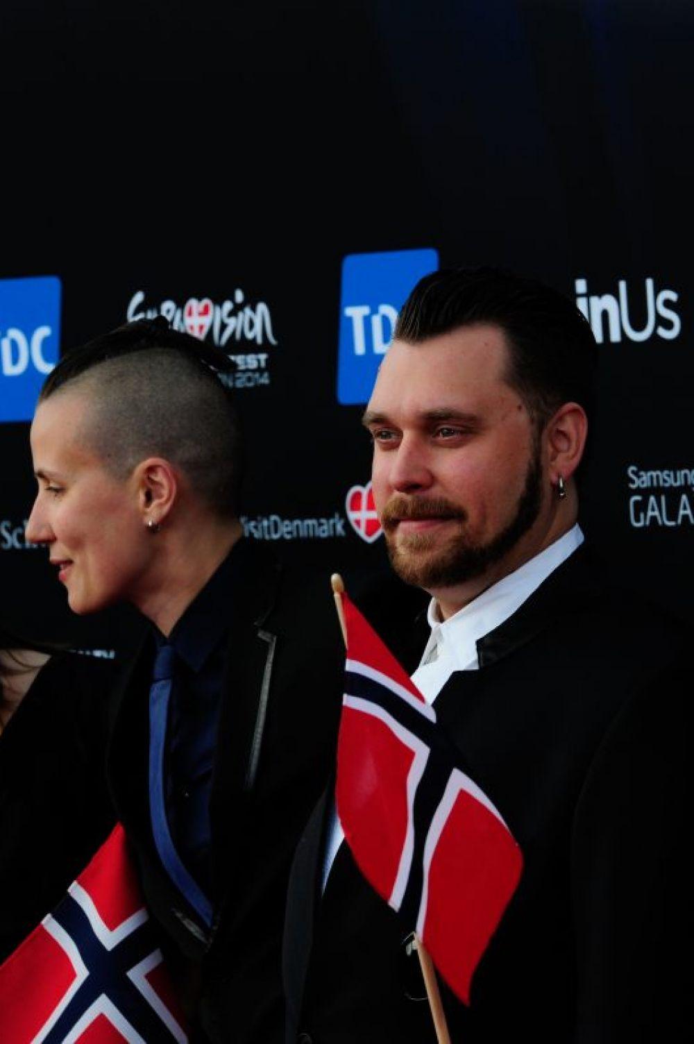 Среди прочих выделяют норвежского поп-исполнителя Карла Эспена, он споёт песню Silent Storm. Известно, что Карл Эспен Турбьёрнсен уже сотрудничает с крупным лейблом EMI, издающим диски Кэти Перри, Робби Уильямса и многих других.