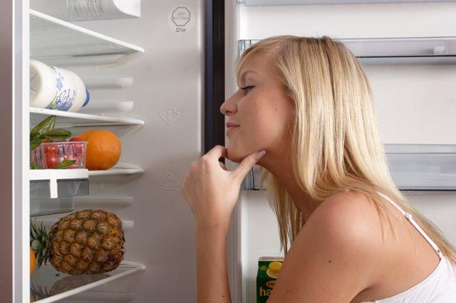 Творог, кефир, овощи и фрукты куда полезнее шоколадок, вафель и колбасы.