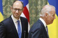 Премьер-министр Украины Арсений Яценюк и вице-президент США Джо Байден во время встречи в Киеве.