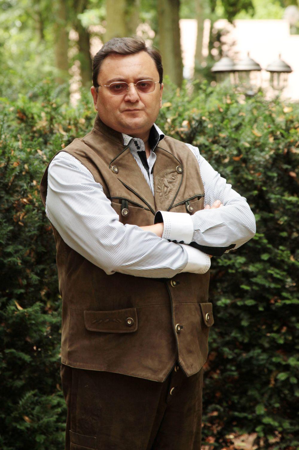 Замкнул десятку богатейших холостяков России 46-летний председатель совета директоров группы компаний ASG Алексей Сёмин. Его состояние оценивается в $1,15 млрд.