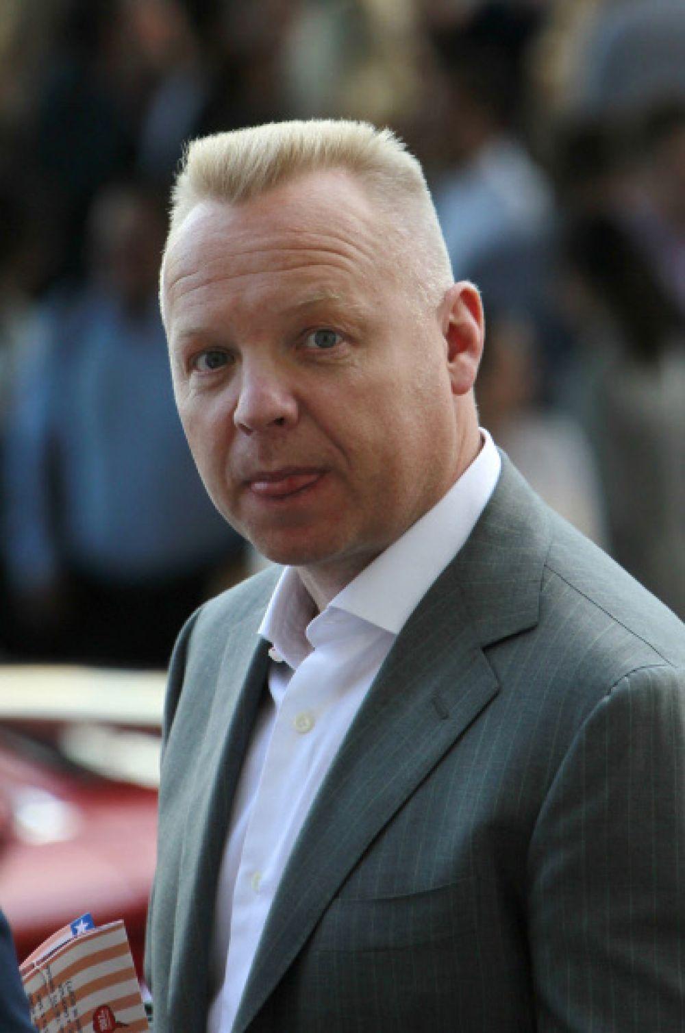 На восьмой позиции рейтинга расположился предприниматель Дмитрий Мазепин, уроженец Минска. В 2010 году Мазепин развелся с женой Еленой. Сейчас бизнесмену 46 лет, а его состояние оценивается в $1,4 млрд.