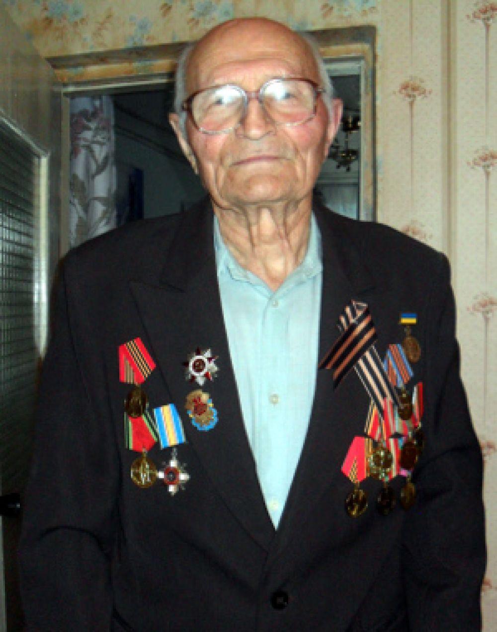 Костин Михаил Кириллович держал оборону под Воронежем в 1942 году.