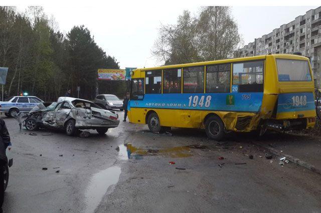 Жертв при столкновении трех автомобилей могло быть больше.