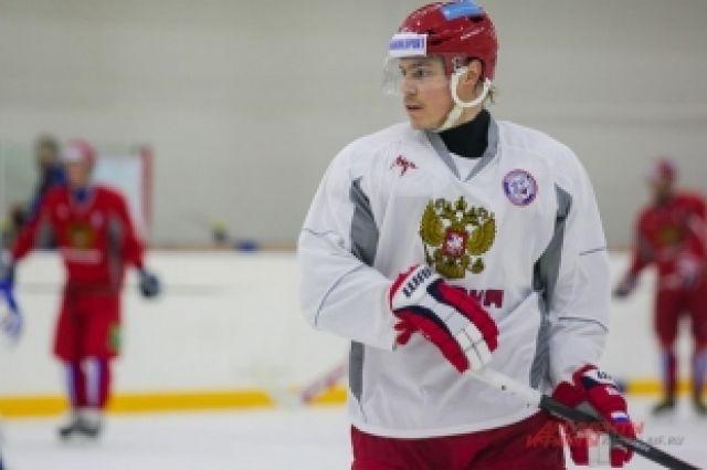 В состав сборной России по хоккею вошли семь южноуральских хоккеистов