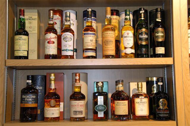 Продажа алкоголя на День Победы будет ограничена.