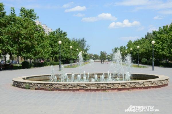 В Волгограде один за другим начинают работать городские фонтаны.