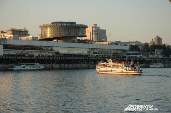 Волгоградский речной вокзал — крупнейшее сооружение подобного типа в Европе.
