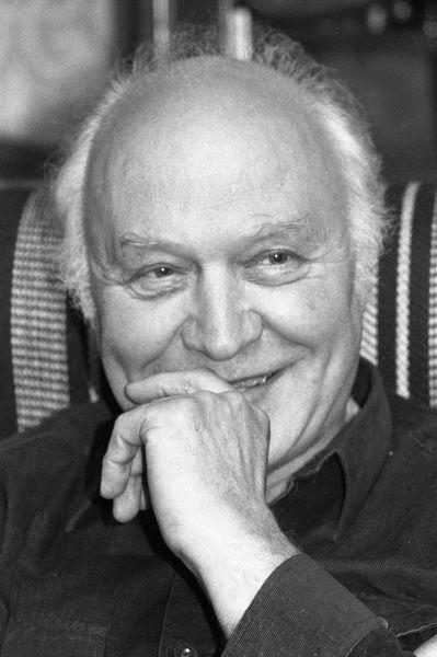 Виктор Балашов работал диктором Всесоюзного Радио с 1944 года. Балашов известен тем, что сотрудничал с радиостанцией «Говорит Москва», а также несколькими телепередачами: «Победители», «Клуб фронтовых друзей» и другими.