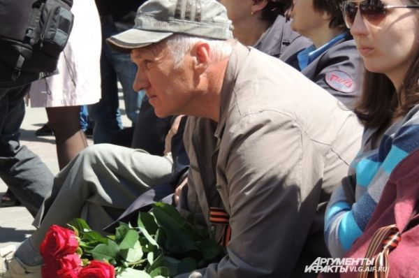 В том числе и отец награжденного посмертно Героя России Дмитрия Маковкина.