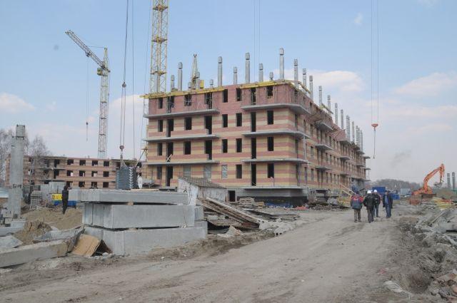 В Омске строят многоквартирные дома.