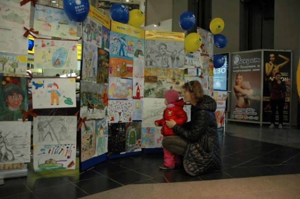 Конкурс детского рисунка «Мы наследники победы» собрал более 90 работ детей от 2 до 16 лет.