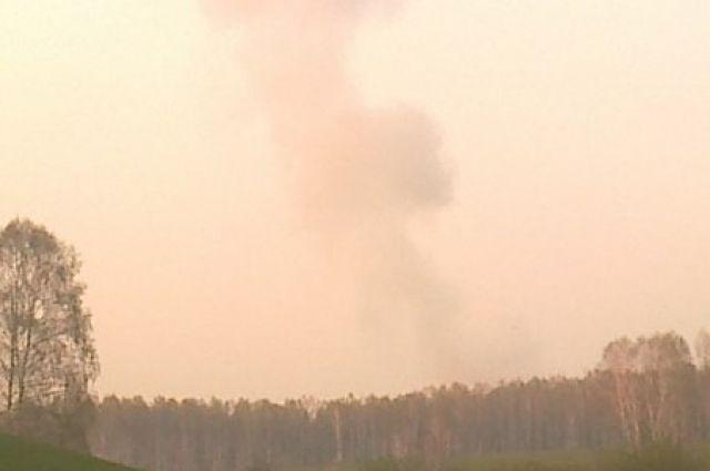 Очевидец запечатлел взрыв на заводе.