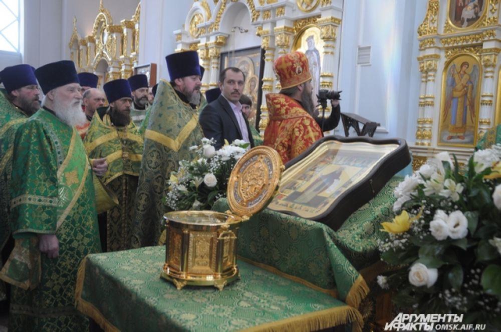 Омичи поклонились мощам преподобного Сергия Радонежского.