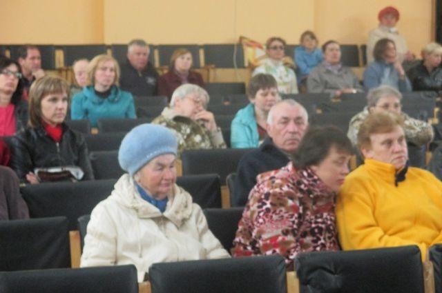 Жители Идрицы обсуждают проблемы закрытия больницы