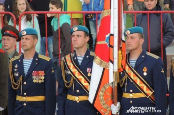 Бойцы 56-ой десантно-штурмовой бригады России.