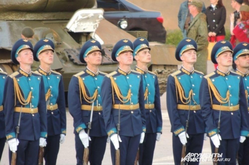 Современная парадная форма роты почетного караула Военно-воздушных сил России.
