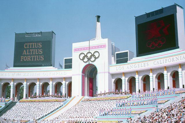 Олимпийский стадион в Лос-Анджелесе, 1984 год.
