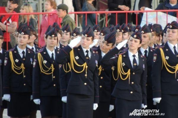 Девушки – учащиеся волгоградской Академии МВД.