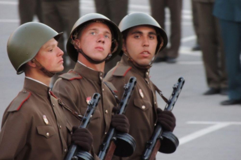 Историческая форма одежды вооруженных сил. Сухопутные войска.