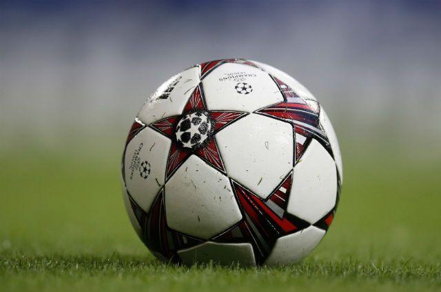 Уральских чиновников потянуло на футбол с моделями