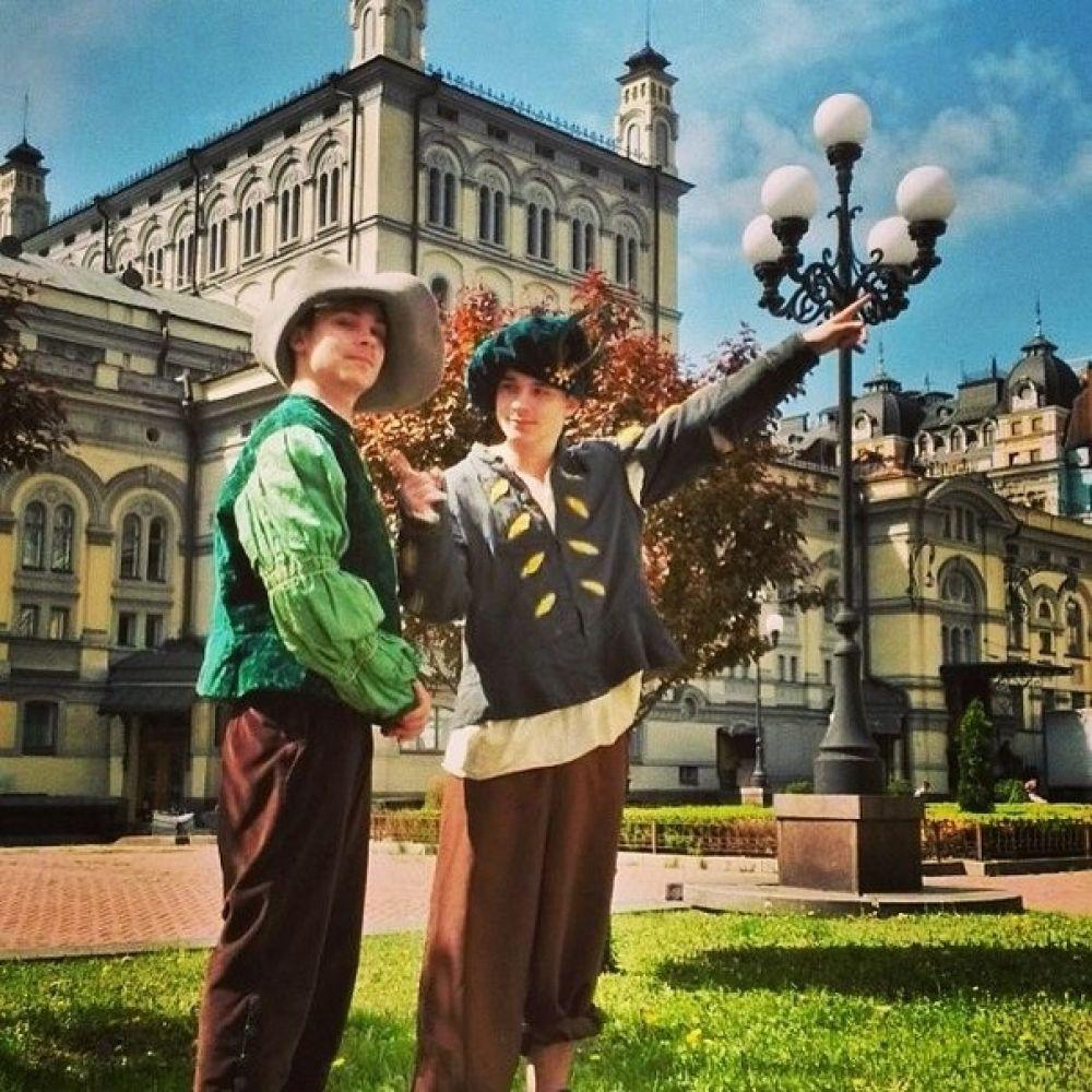 Братья Борисенко в образах героев «Принца и нищего»