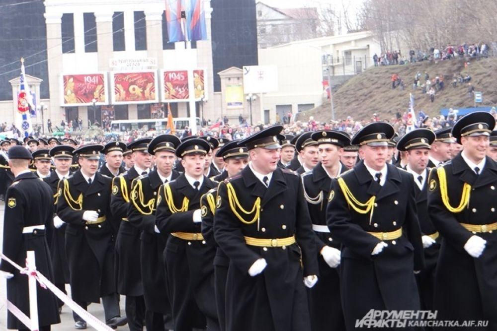 Торжественное прохождение войск Петропавловск-Камчатского гарнизона.