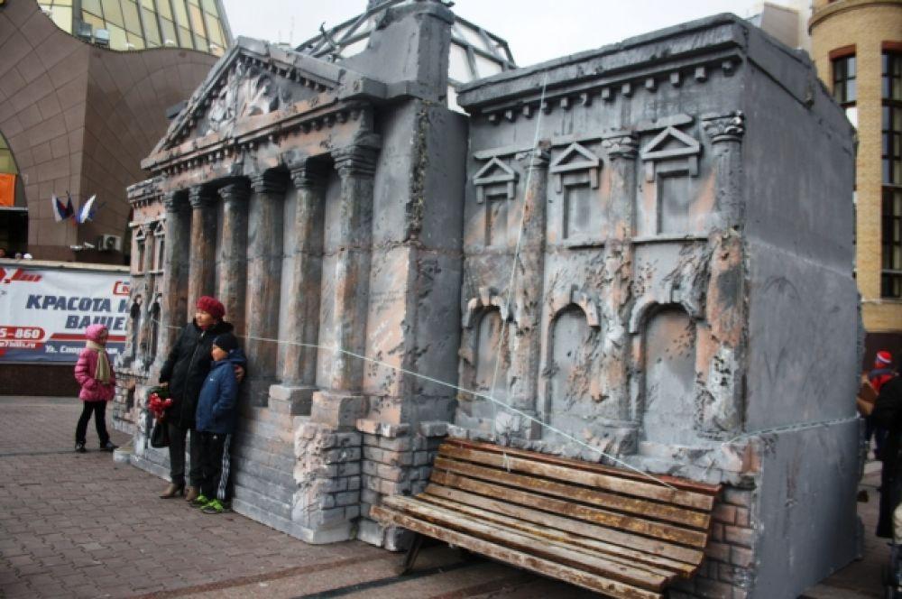 На центральной площади города была воспроизведена реконструкция событий Великой Отечественной войны