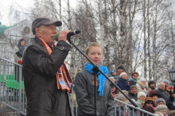 Традиционно, с Днем Победы всех поздравил участник Великой Отечественной войны Виктор Башмаков.