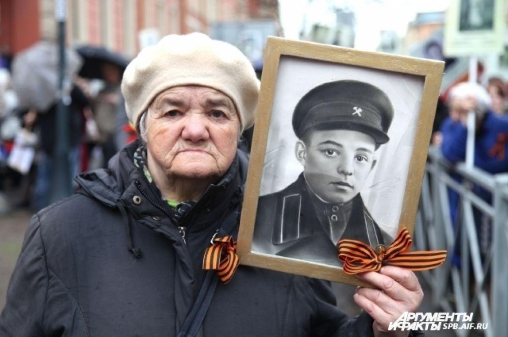 У многих в памяти еще живы воспоминания о годах войны.