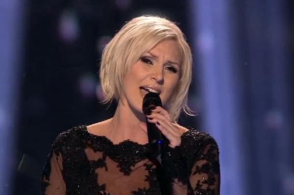 Шведская певица Санна Нильсен благодаря классической эстрадной балладе заняла в конкурсе второе место.