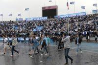 Болельщики ФК «Зенит» во время матча 29-го тура чемпионата России по футболу.