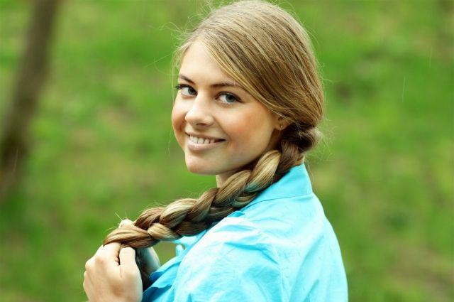 В столице Урала выберут обладательницу самой длинной косы