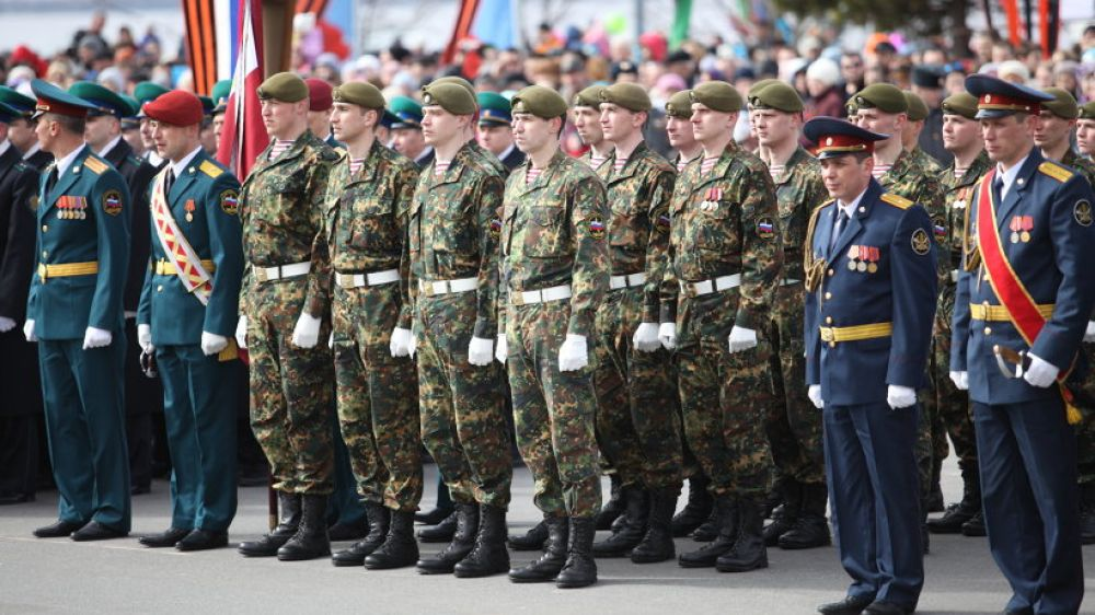Участники парада: войска Архангельского гарнизона.