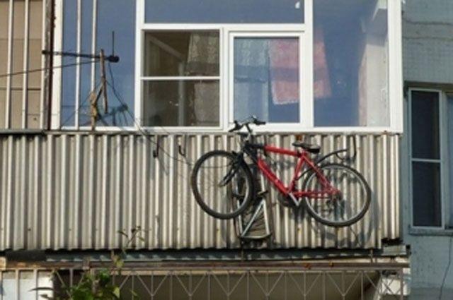 «Человека-паука» подозревают в нескольких кражах с балконов многоэтажек.