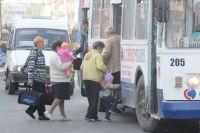 Пассажиры оценят новый автобус.