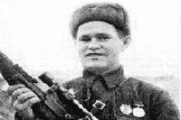на фото снайпер Василий Зайцев