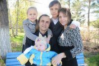 В Омске празднуют день семьи.