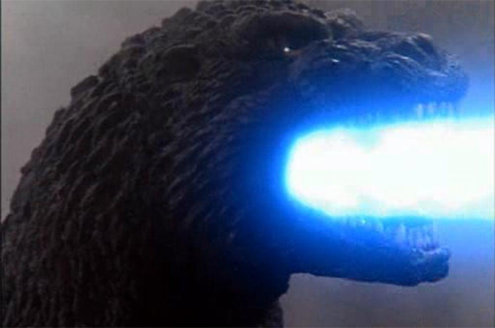 Затем о Годзилле на некоторое время забыли, но в начале 90-х франшиза обрела второе дыхание – с большим успехом на экраны вышел «Годзилла против Кинга Гидоры», где знаменитому ящеру вновь пришлось сражаться с трёхголовым драконом. Режиссёром фильма выступил Кадзуки Омори.