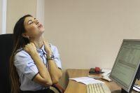 Заболеть из-за долгого сидения в интернете - можно, вылечиться - вряд ли.