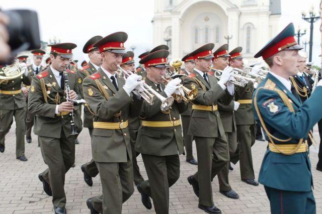 Марш-парад оркестров-участников фестиваля