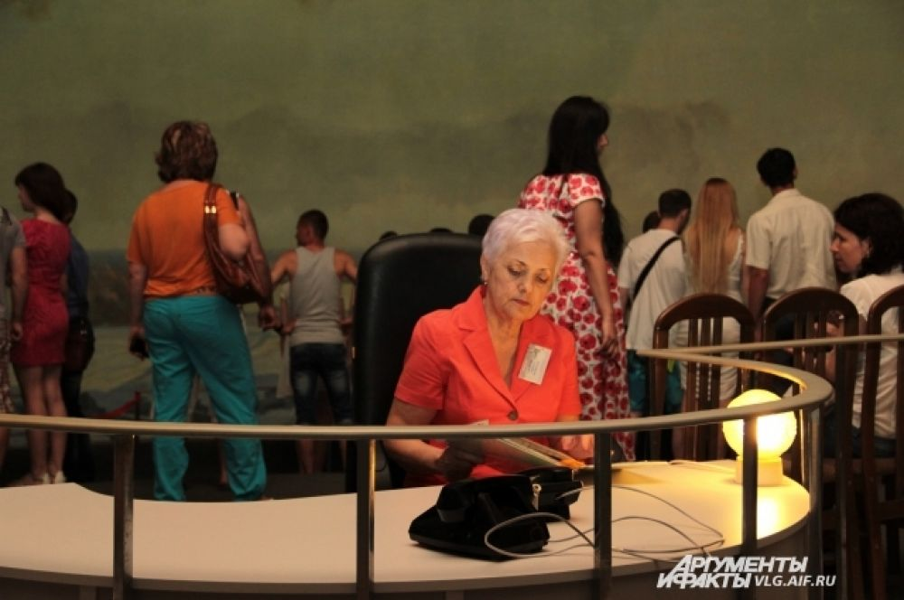 Сотрудники музея в ночь с субботы на воскресенье перешли на круглосуточный режим работы.