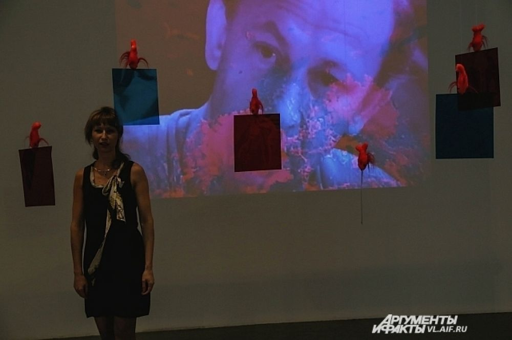 В центре современного искусства «Заря». Выставка «Украшение красивого».
